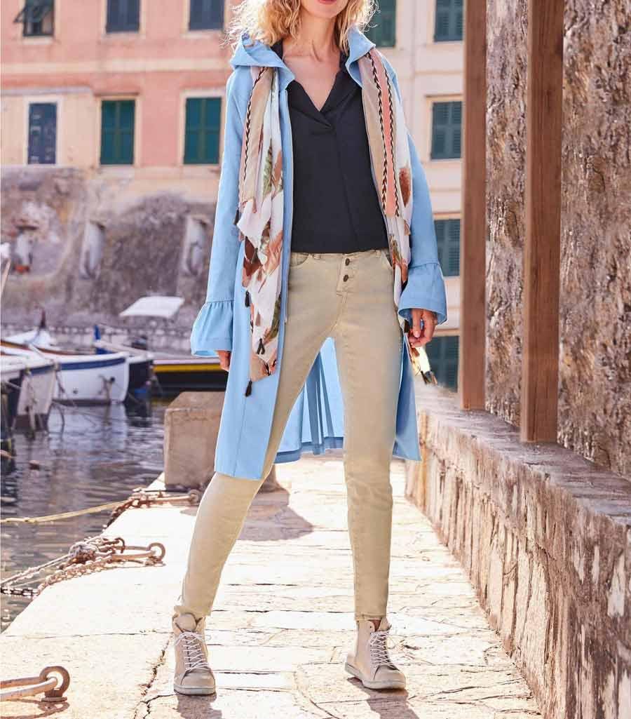 Wiosenny damski płaszcz z kapturem HEINE, jasnoniebieski